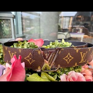 LOUIS VUITTON LV MONOGRAM INITIALES 40MM